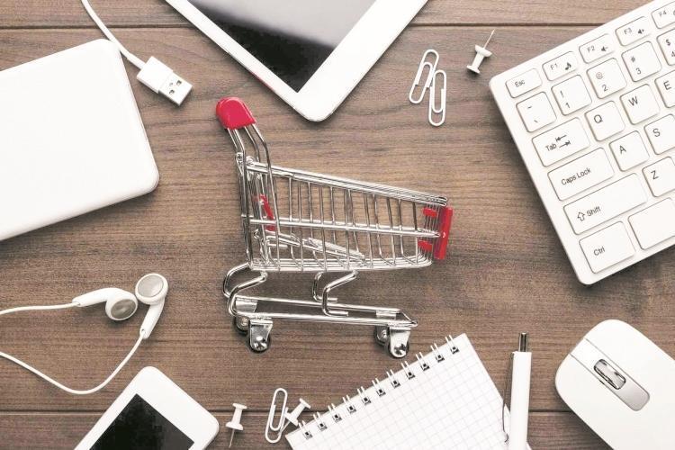 راهنمای خرید اینترنتی؛ چطور به یک فروشگاه ناشناس اعتماد کنیم؟