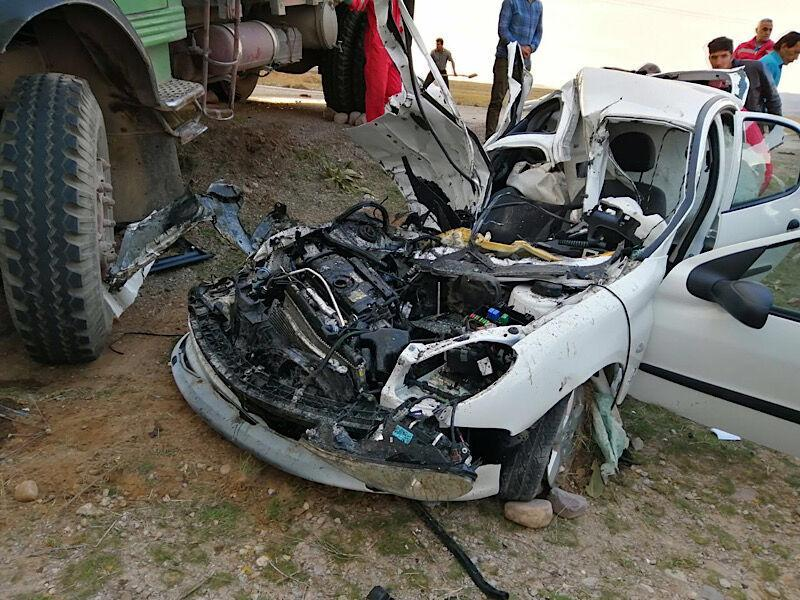 خبرنگاران برخورد خودروی پژو با کامیون در قوچان یک کشته داشت